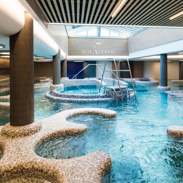 Une nuit au Grand Hôtel des Thermes*****, Menu Traditionnel et Parcours Aquatonic (2 personnes) 4