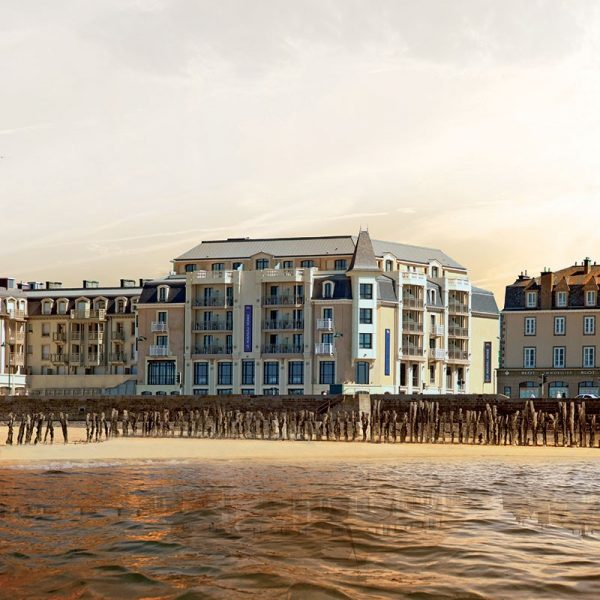 """Une nuit à l'Hôtel Le Nouveau Monde**** et Dîner """"7 Mers"""" (2 personnes) 3"""