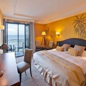 Une nuit Vue sur Mer à l'Hôtel Le Nouveau Monde**** et Accueil Champagne(2 personnes)