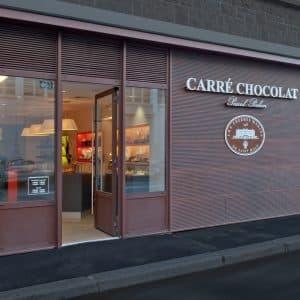 Cours de pâtisserie et une boîte de chocolats fins