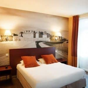 Deux nuits à l'Hôtel des Marins*** et Accueil Romantique (champagne, fleurs et chocolats) (2 personnes)